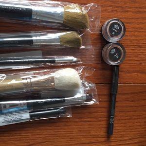 Bare minerals eyeshadow duo 6 brushes & eyeliner